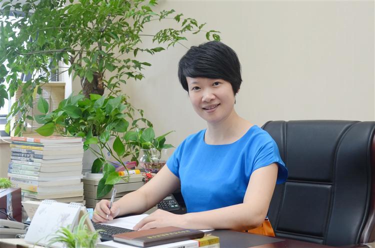 党委委员、纪委书记、监事陈晓丹